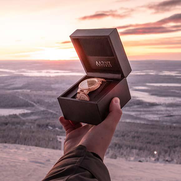 Aarni XO - Curly Birch - Wooden Watch - Puinen Rannekello - Träklocka