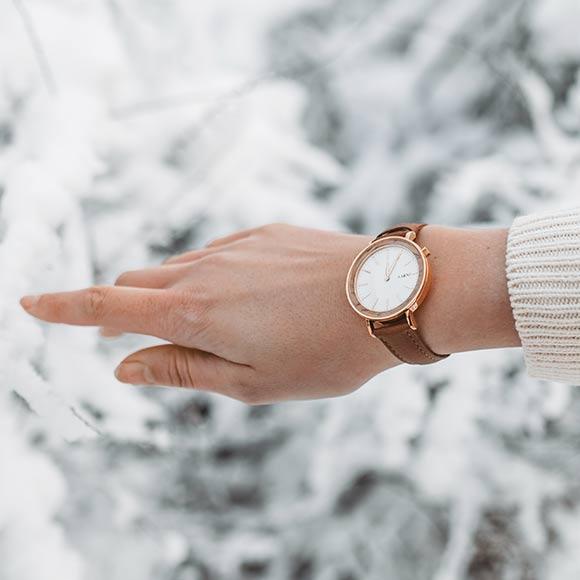 Aarni Aurora - Wooden Watch - Puinen Rannekello - TräklockaAarni Aurora - Wooden Watch - Puinen Rannekello - Träklocka