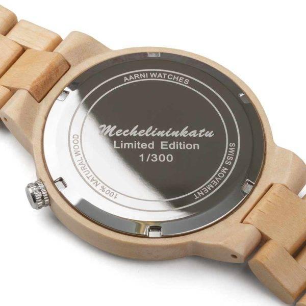 Mechelininkadun lehmuksista valmistettu kello - Aarni Mechelininkatu Limited Edition